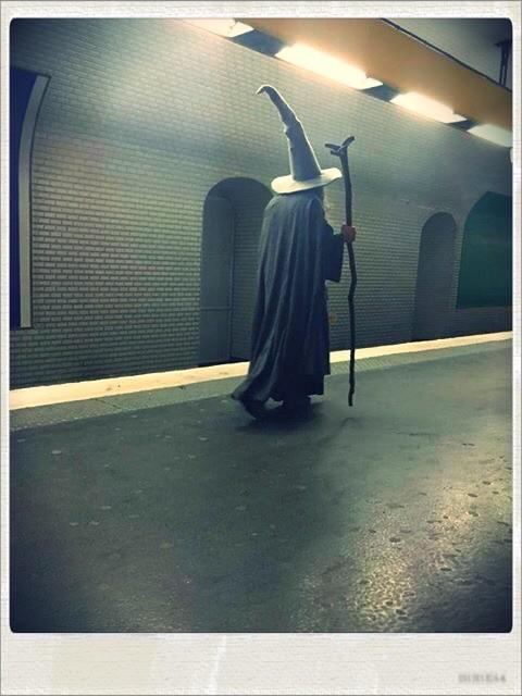 """Sur """"Métro Boulot Photo"""", on peut croise Gandalf dans le métro"""