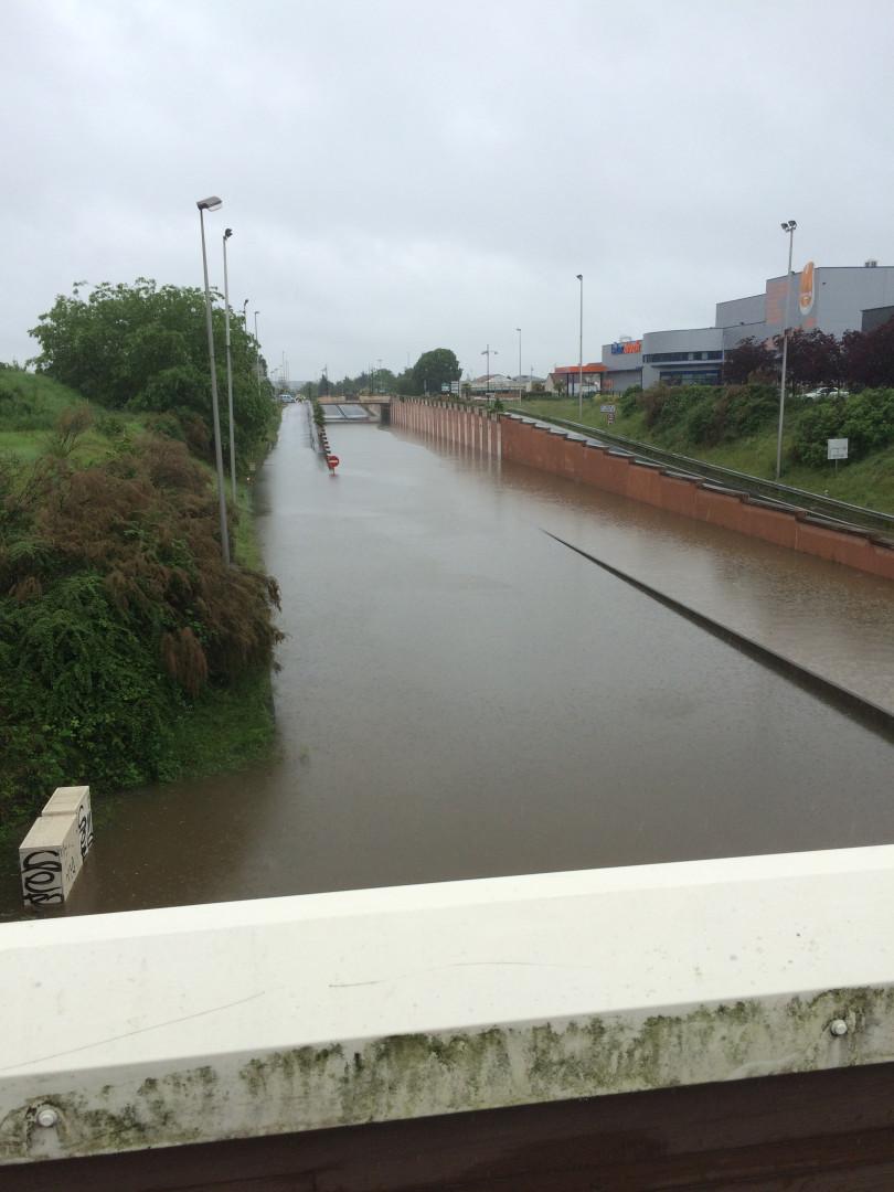 La ville d'Orléans est aussi sous les eaux