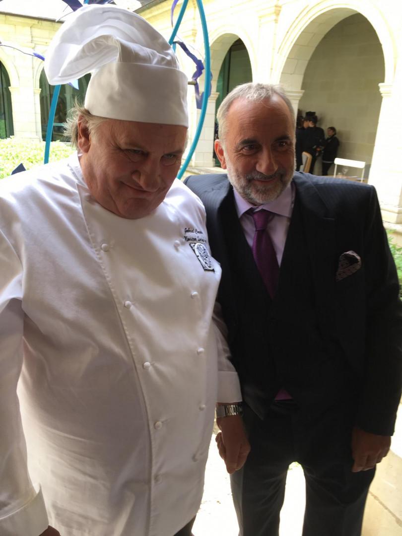 """Gérard Depardieu avec Antoine Duléry sur le tournage du film """"Umami"""""""