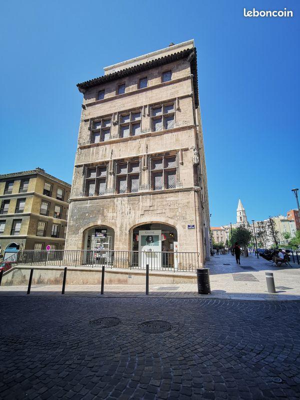L'immeuble le plus ancien de Marseille est à vendre