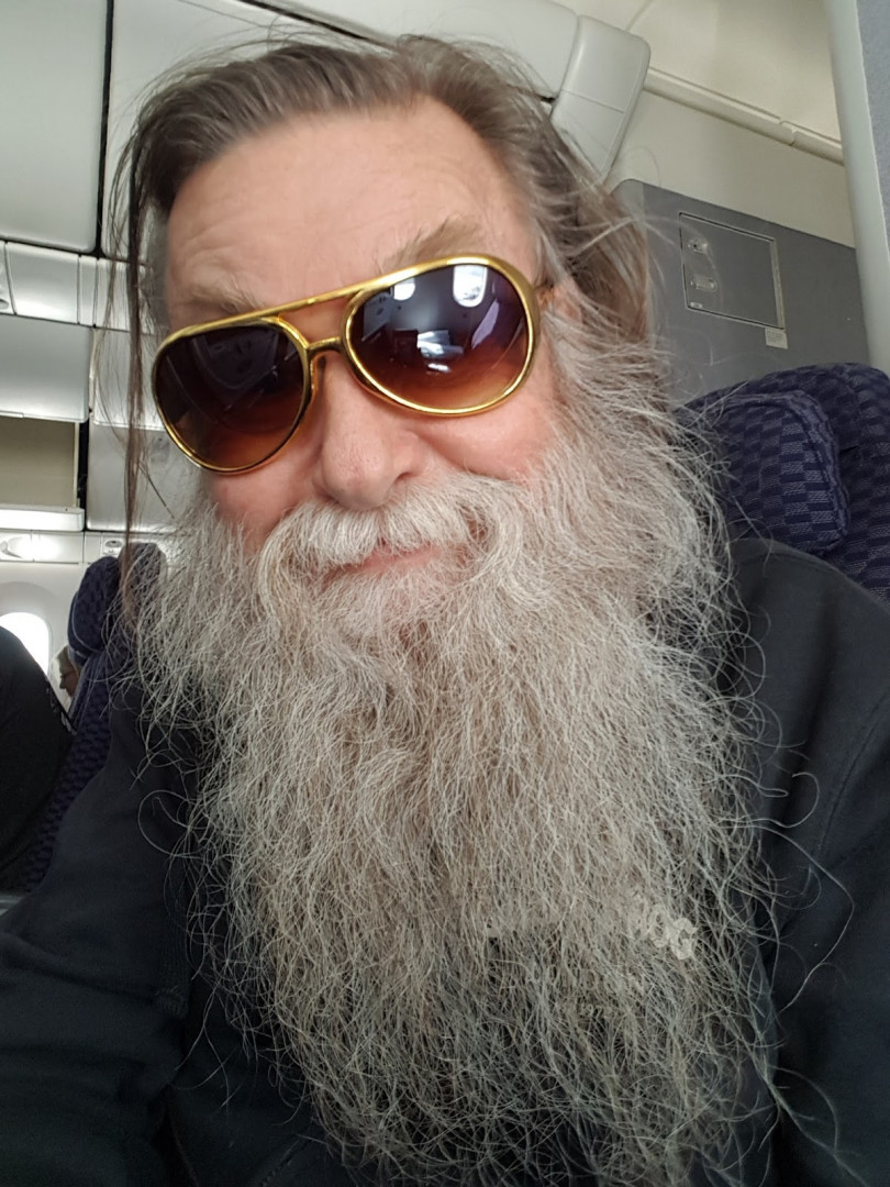 Francis Zégut dans l'avion pour San Fransisco