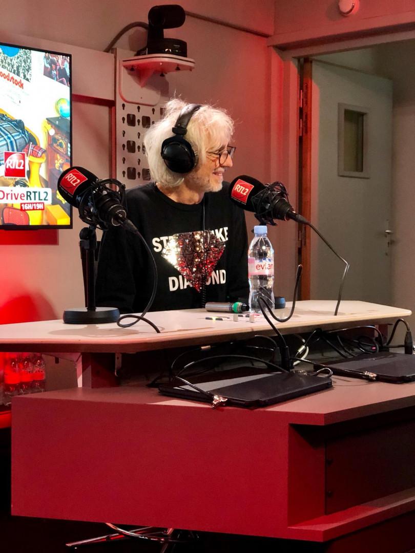 Louis Bertignac dans les studios de RTL2