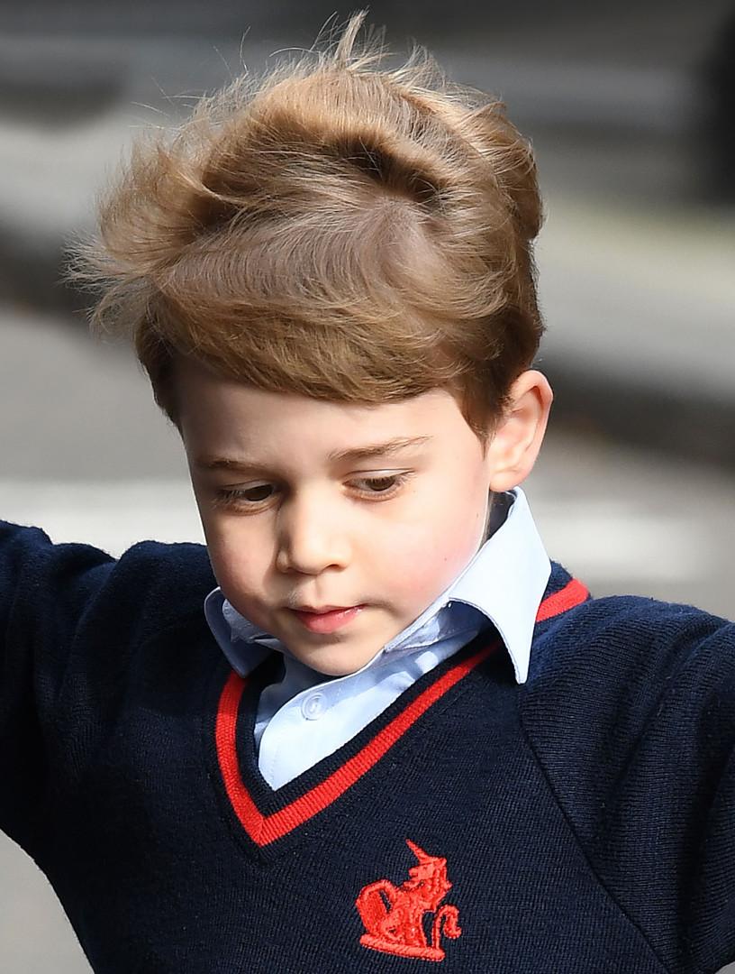 Le prince George lors de la naissance de son frère, Louis de Cambridge, le 23 avril 2018.
