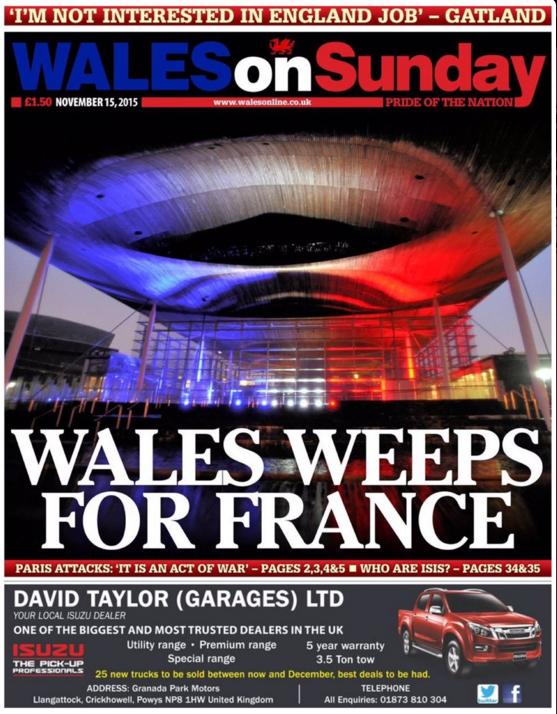 """Le Wales on Sunday, en bleu blanc rouge,  """"pleure pour la France"""""""