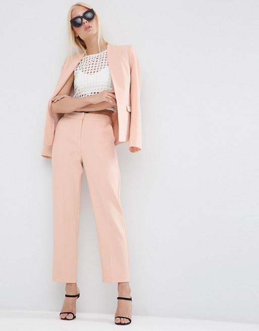 Costume rose pâle - ASOS (66,99€)