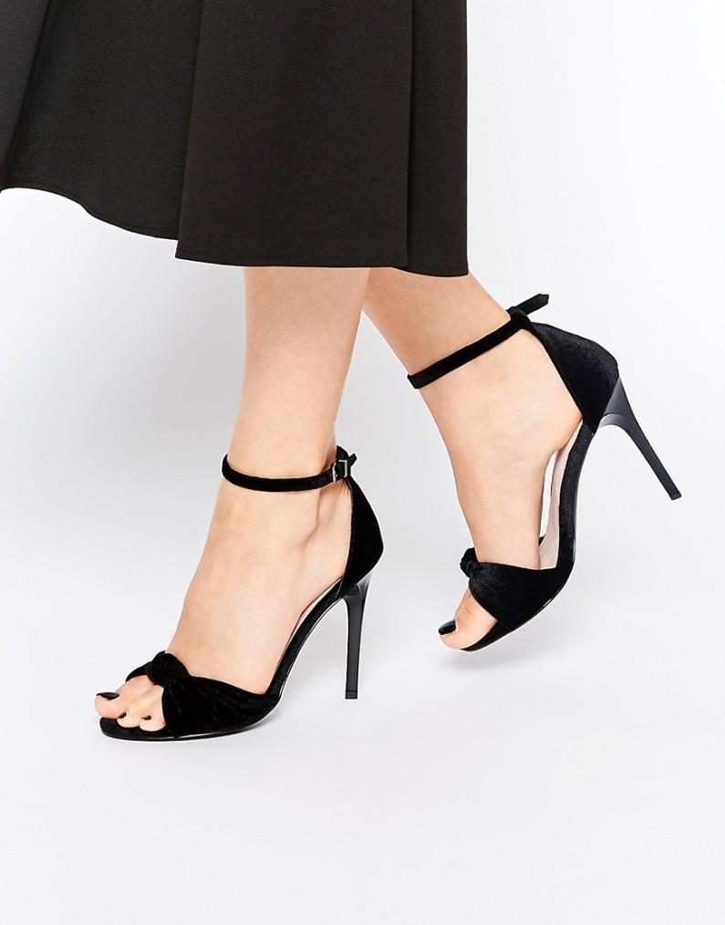 Sandales à talon en velours, Faith pour Asos, 62,99 euros