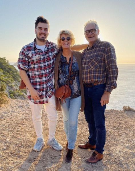 Martin Garrix fête Noel avec ses parents au soleil