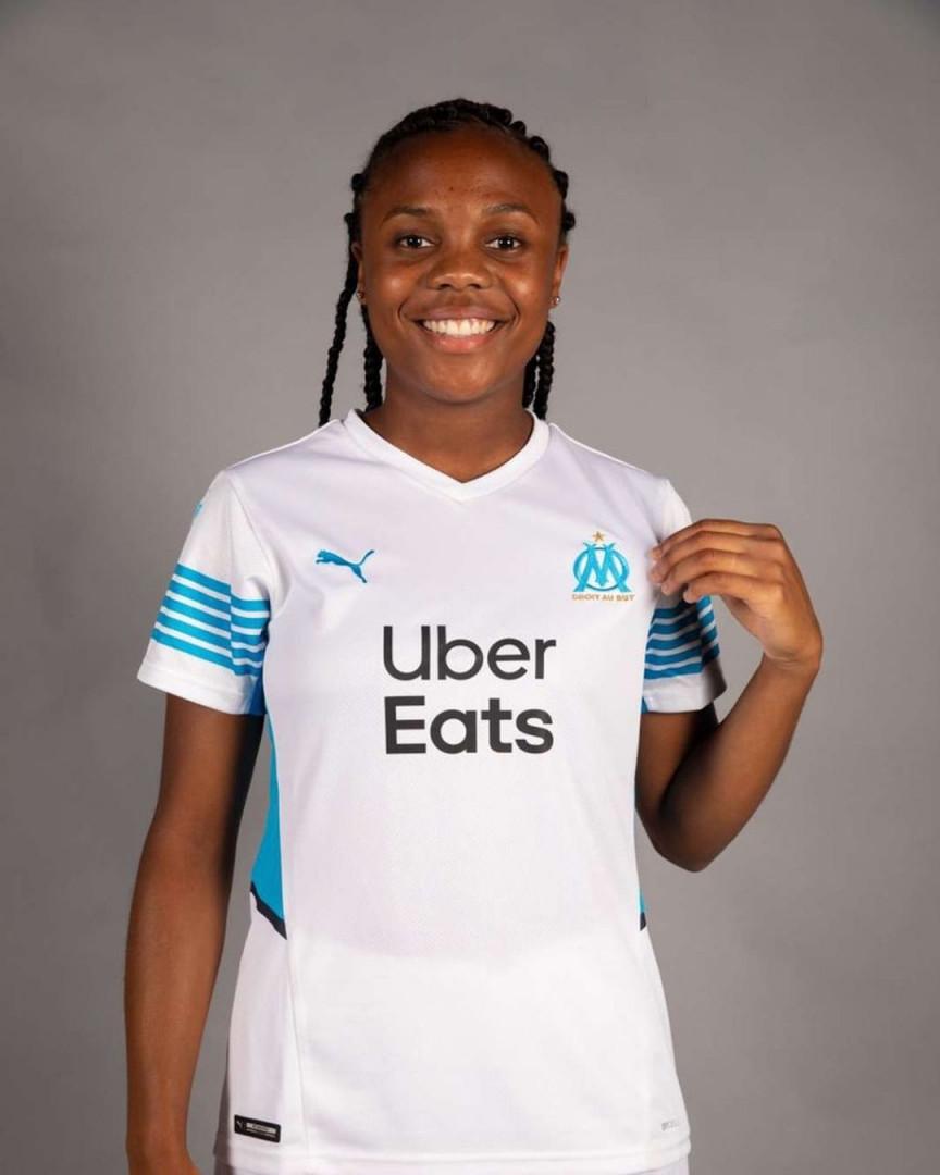 Le maillot domicile de Marseille pour la saison 2021-2022