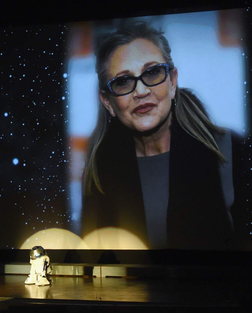 Le visage de Carrie Fisher trônait sur la scène ce 25 mars