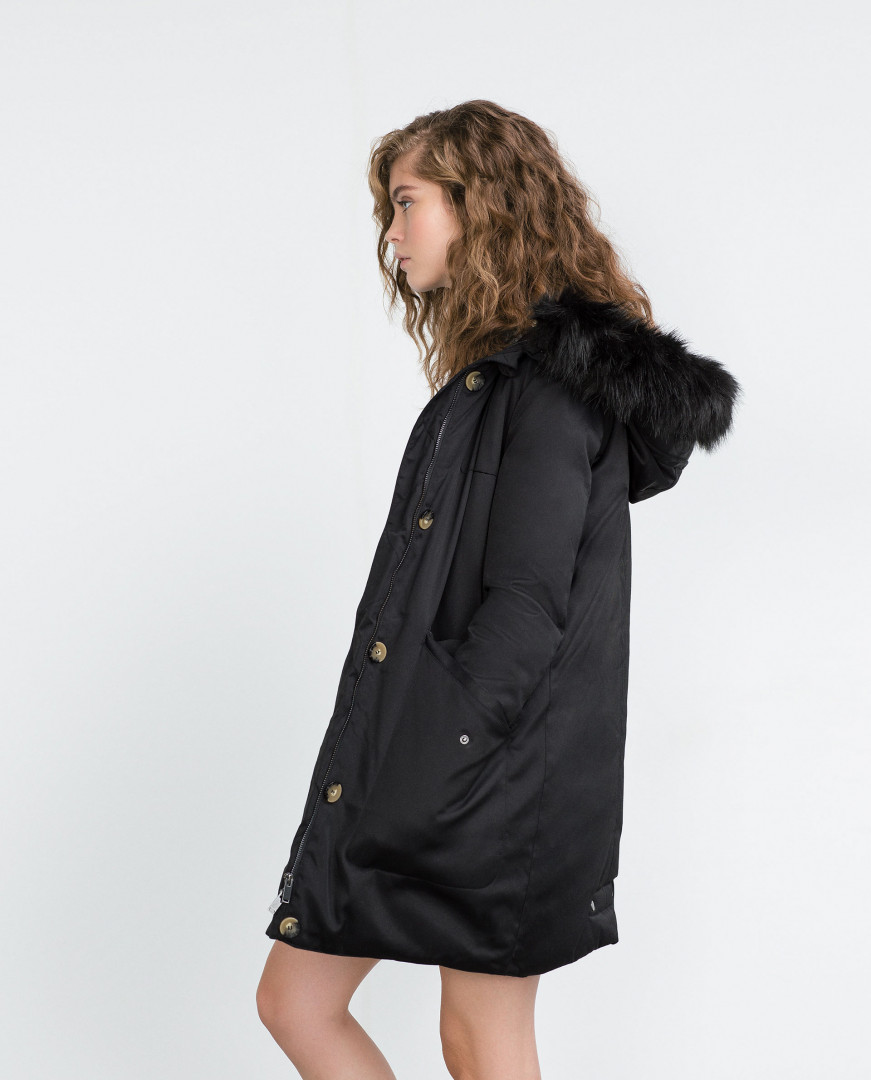 Parka longue à plumes, Zara, 69,99 euros au lieu de 129 euros