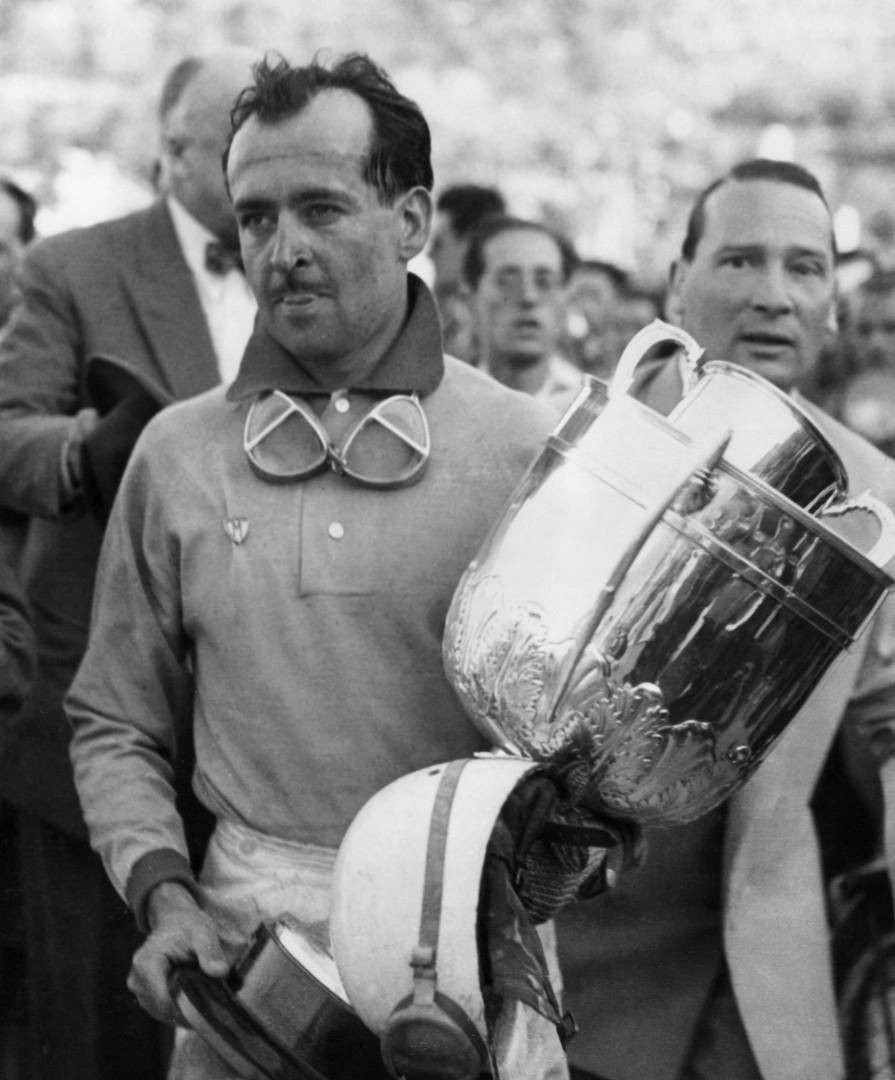 Maurice Trintignant après le GP de Monaco en 1958.
