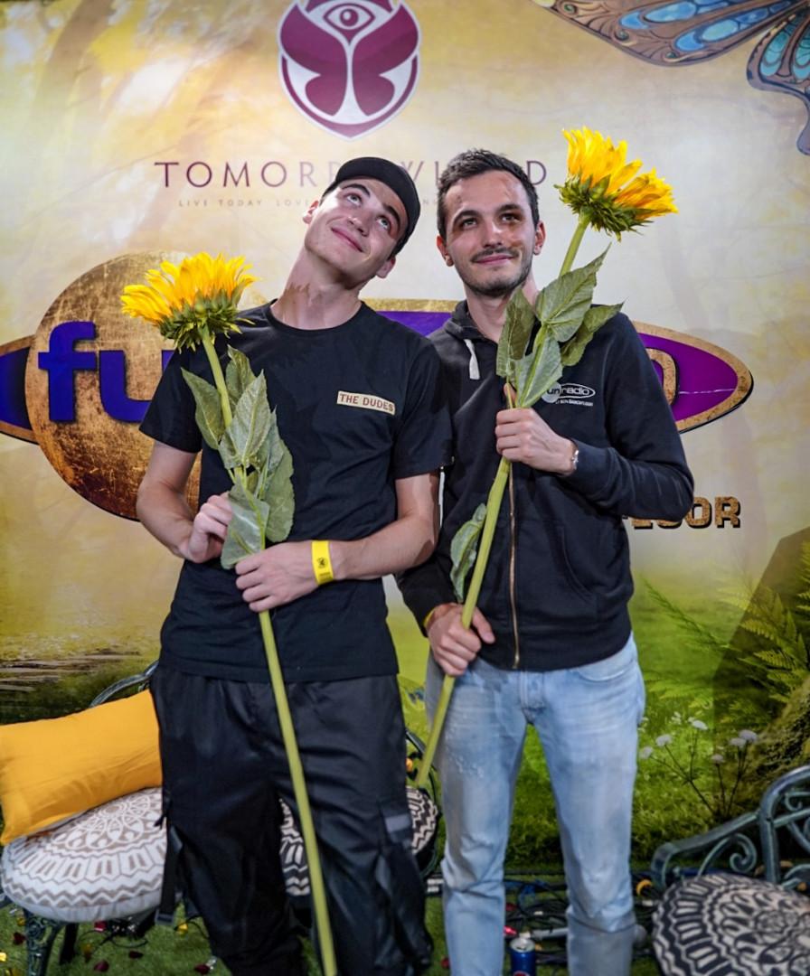 Ambiance fleurie pour Henri PFR et JB