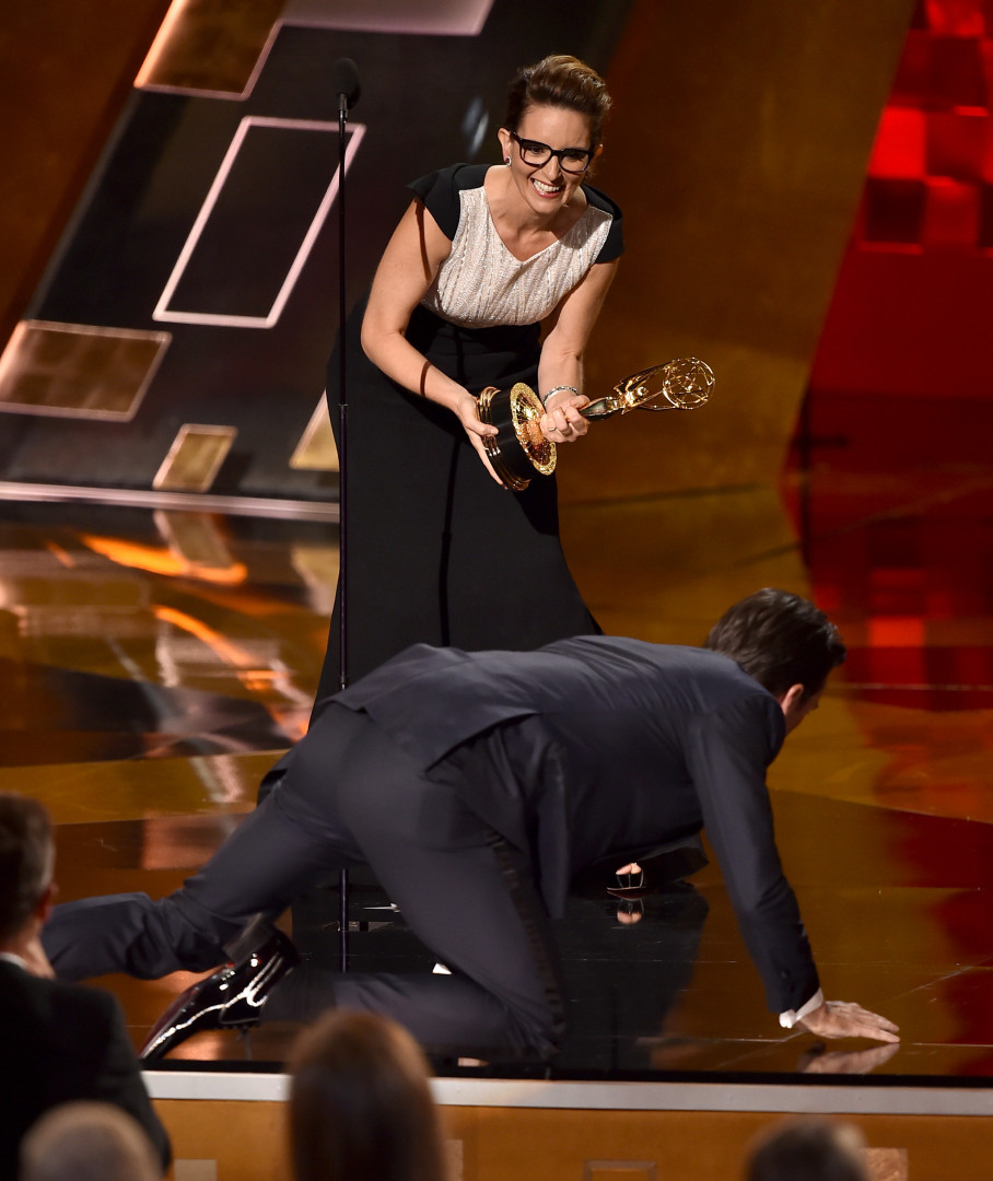 """Jon Hamm (""""Mad Men"""") remporte enfin sa récompense de meilleur acteur principal dans une série dramatique"""