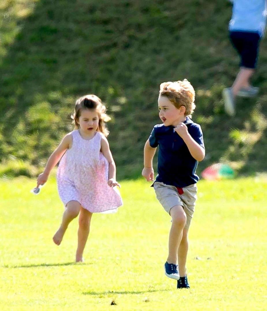 La princesse Charlotte suit les pas de son frère George