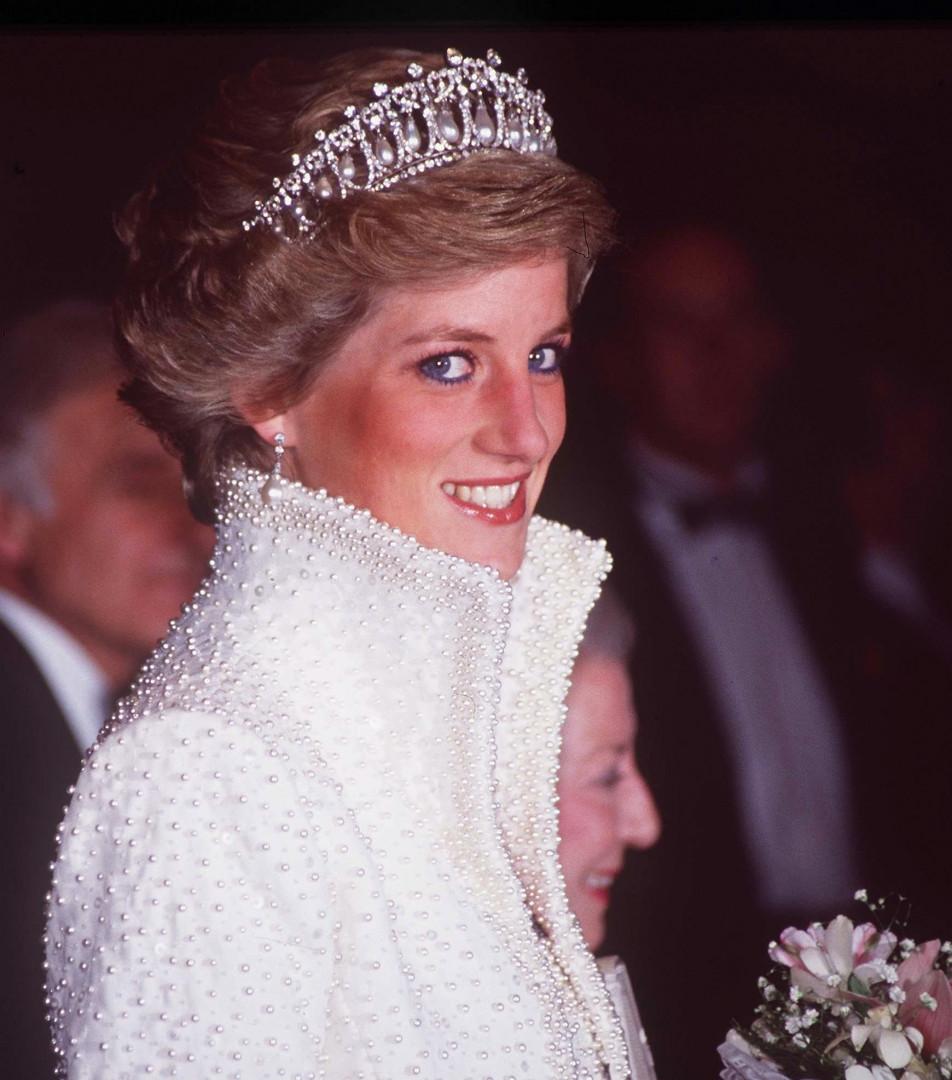 Princesse Diana a plusieurs fois arboré ce bijoux avant de mourir tragiquement le 31 août 1997
