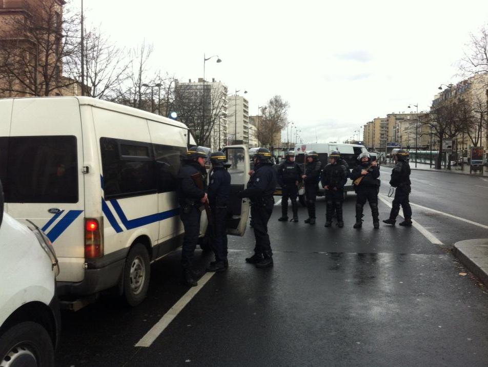 Policiers en faction Porte de Vincennes