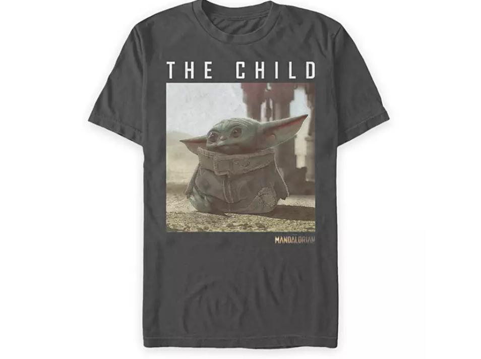 """Le T-Shirt """"Baby Yoda"""" de """"The Mandalorian""""( 21 euros)"""
