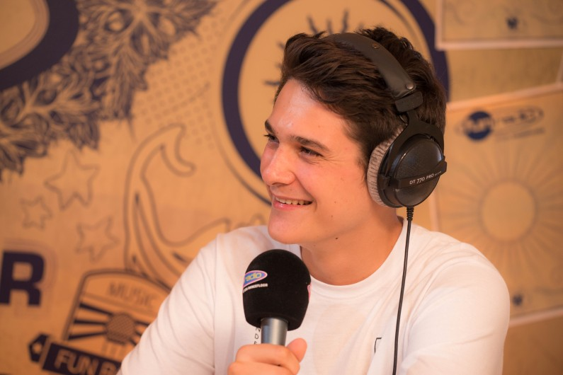 Kungs en interview sur Fun Radio