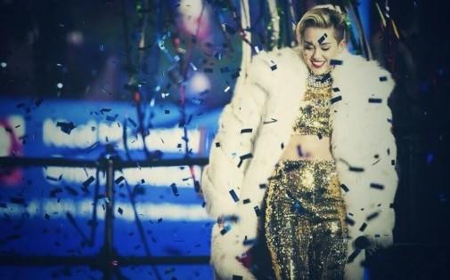 Miley Cyrus sur scène le soir du 31 décembre 2013