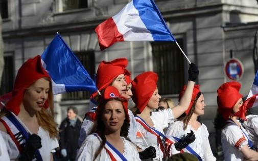 """""""Manif pour tous"""" : des manifestantes, le 2 février 2014."""