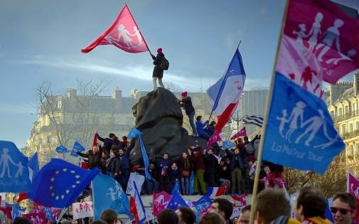 """Entre 80.000 et 500.000 personnes ont manifesté aux couleurs de """"La Manif pour tous"""" ce dimanche 2 février."""