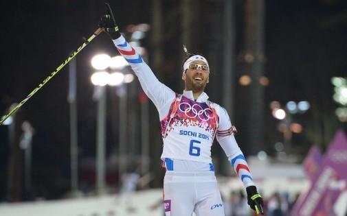 Martin Fourcade célèbre son titre olympique, lundi 10 février