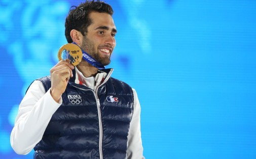 Vainqueur de la poursuite du biathlon lundi 10 février, Martin Fourcade a offert à la France sa première médaille d'or