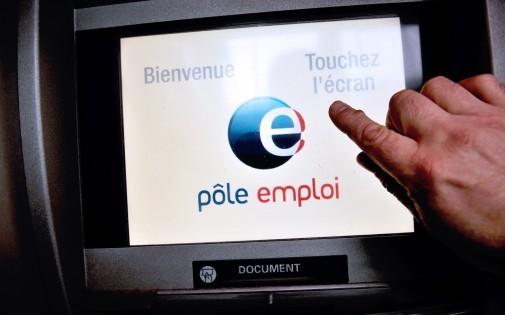 Un écran d'ordinateur dans une agence Pôle emploi de Villeneuve d'Ascq, le 27 décembre 2013