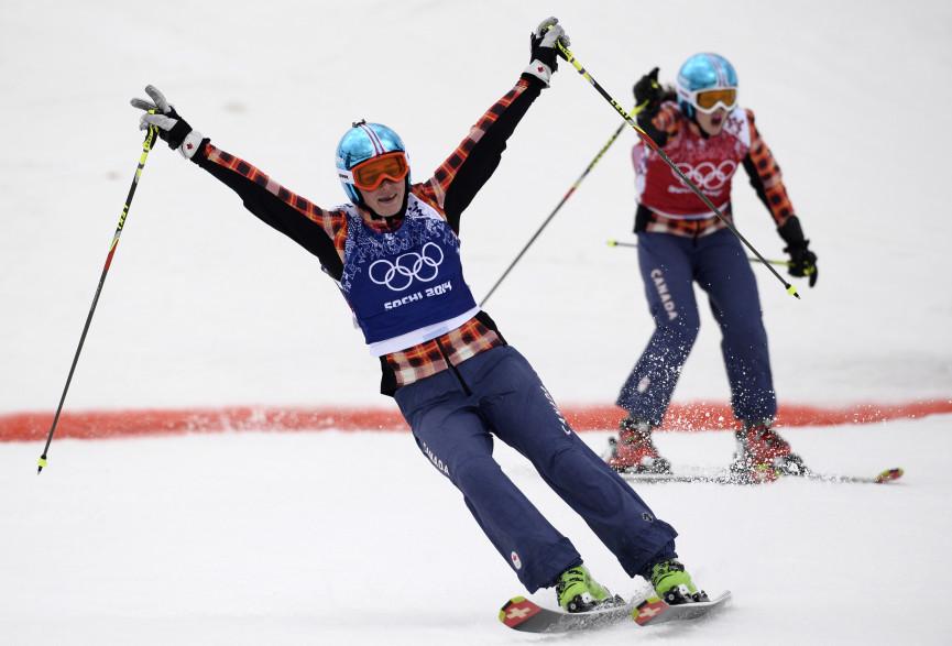 La Canadienne Marielle Thompson est sacrée au skicross devant sa compatriote Kelsey Serwa. La médaille de bronze revient à la Suédoise Anna Holmlund alors que la Française Ophélie David a terminé 4e et dernière de la finale.