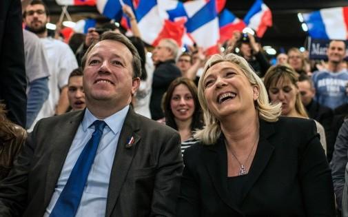 Le candidat FN aux élections municipales de Lyon et la présidente de son parti, Marine Le Pen, le 1er mars 2014.