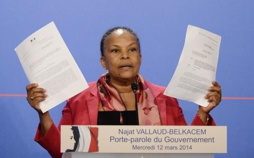 La garde des Sceaux Christiane Taubira a affirmé mercredi qu'elle n'avait pas informé le président François Hollande de l'existence d'écoutes judiciaires visant l'ancien président Nicolas Sarkozy