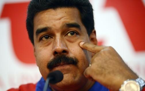 Le président vénézuelien Nicolas Maduro reçoit son opposant Capriles pour mettre un terme aux protestations.