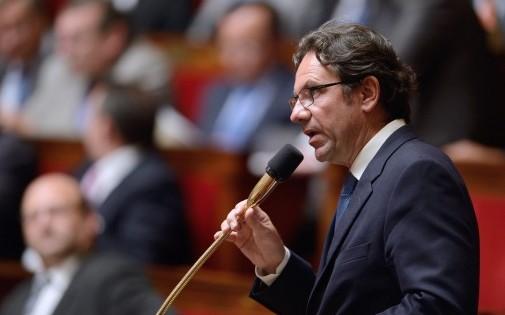 Frédéric Lefebvre, ici à l'Assemblée nationale le 11 juin 2013, n'exclut pas de voter la confiance à Manuel Valls. (Archives)