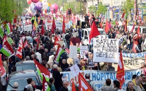 Manifestation organisée par le Parti de gauche et le NPA à Paris, le 12 avril 2014.