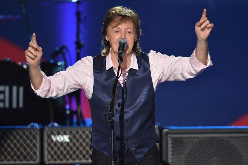Paul McCartney, ici à Los Angeles le 27 janvier 2014, a dû annuler deux concerts à Tokyo. (archives)