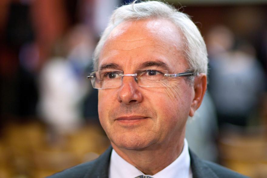L'auteur de la loi sur la fin de vie de 2005 Jean Leonetti