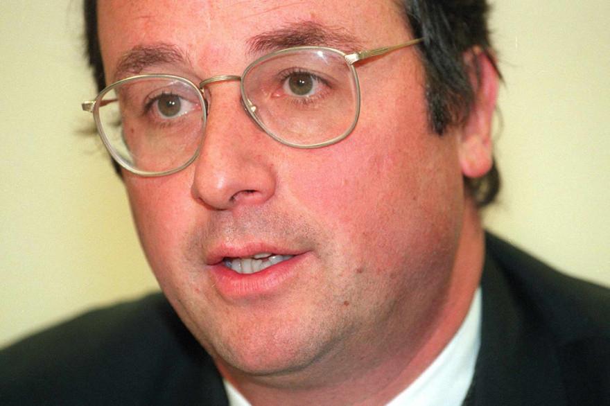 François Hollande lors d'une conférence de presse en 1997