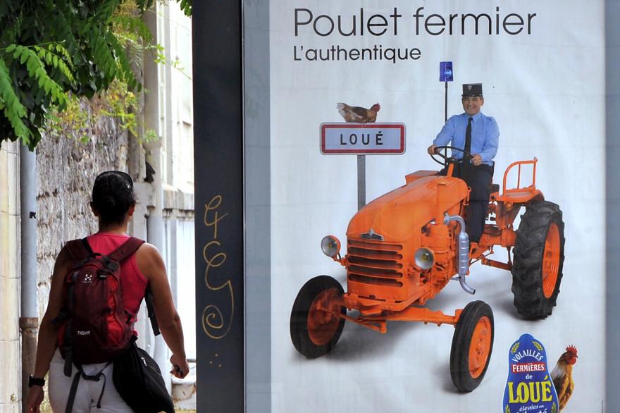 La publicité des poulets fermiers de la marque Loué indignent Christian Estrosi