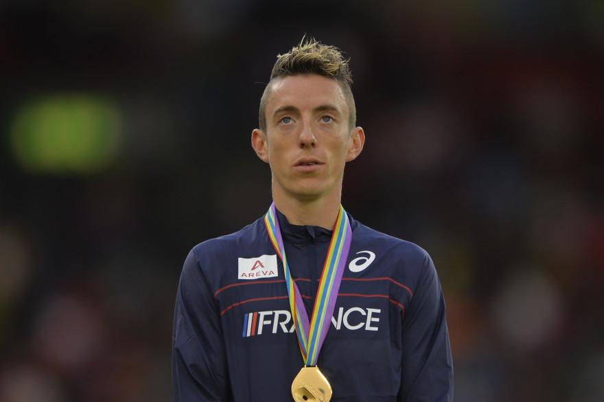 Yoann Kowal sur la plus haute marche du podium lors des championnats d'Europe d'athlétisme 2014 de Zurich