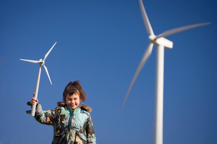 La pose d'une éolienne requiert un équipement spécifique, contactez une entreprise spécialisée