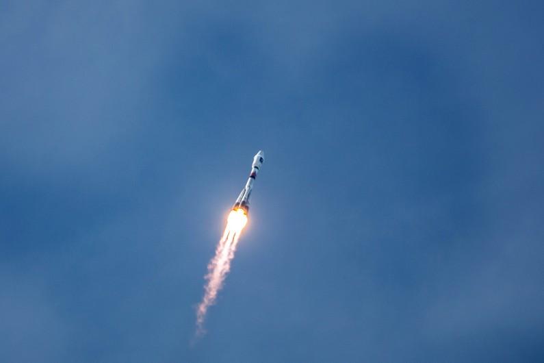 Une fusée Soyouz, transportant deux satellites Galileo, décolle de la base de Kourou en Guyane, le 12 octobre 2012 (archives)