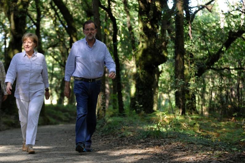 Angela Merkel et Mariano Rajoy sur le chemin de Compostelle, le 24 août 2014.