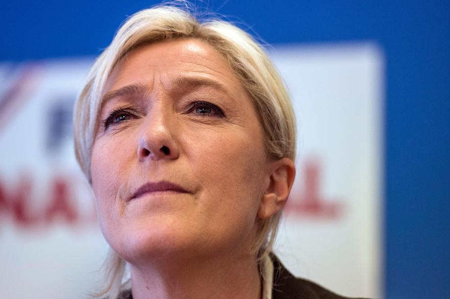 Selon le sondage, Marine Le Pen obtiendrait entre 29 et 32% au premier tour, seln la configuration à droite (archives).