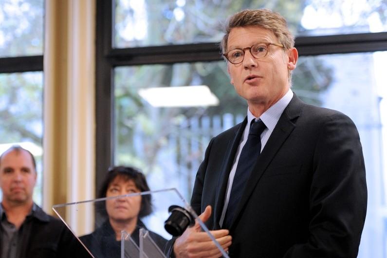Vincent Peillon, le 12 novembre 2012 à Amiens, pour parler de la prévention et de la sécurité dans les écoles
