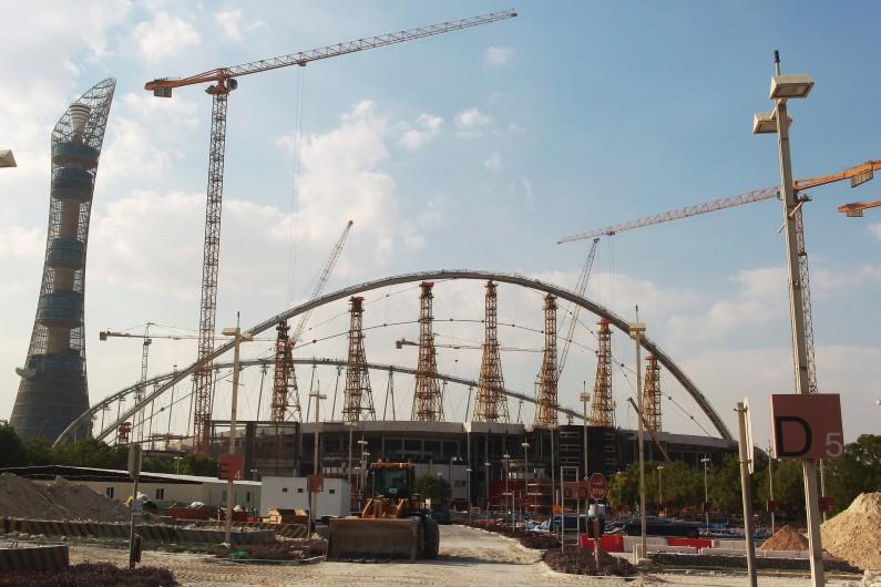 Le stade Khalifa à Doha en pleine rénovation pour le mondial de football.