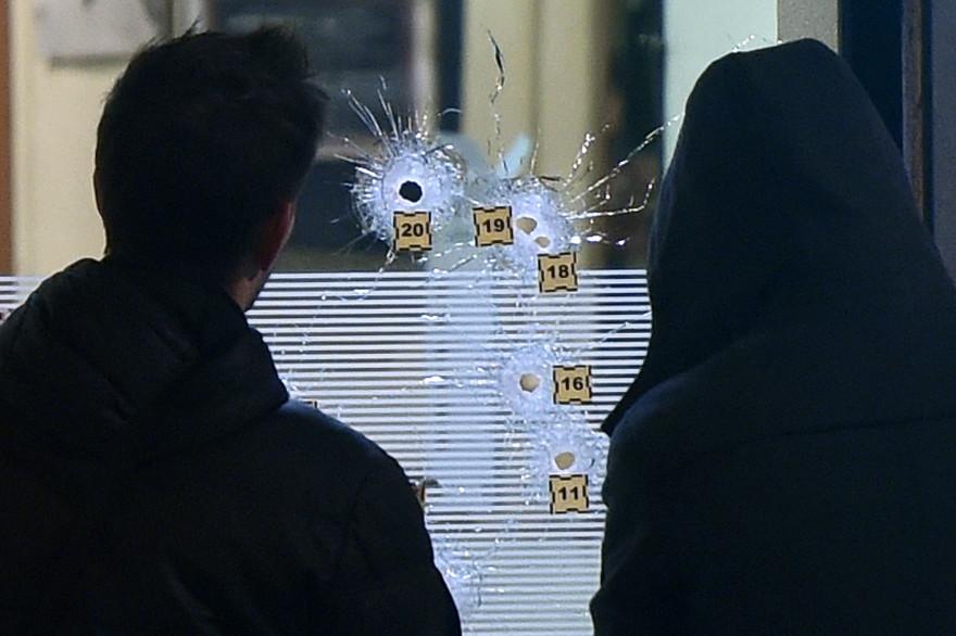 """La fusillade a éclaté peu après 18 heures lundi 2 décembre au bar-restaurant des """"4 As"""" à Villeurbanne"""