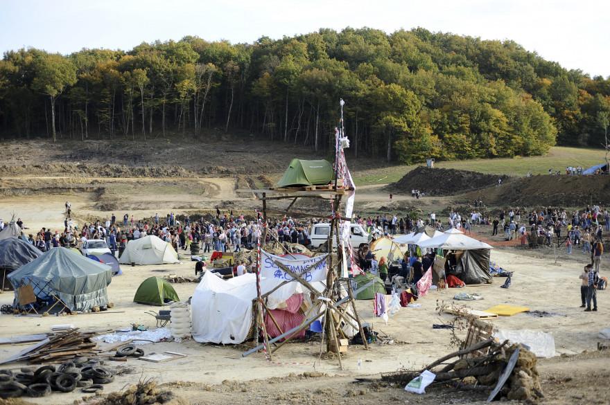 """Les """"zadistes"""" ont investi le site de Sivens pour lutter contre le barrage"""