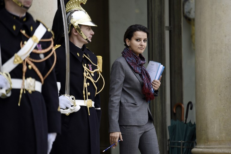 La ministre de l'éducation Najat Vallaud-Belkacem à la sortie de l'Elysée.