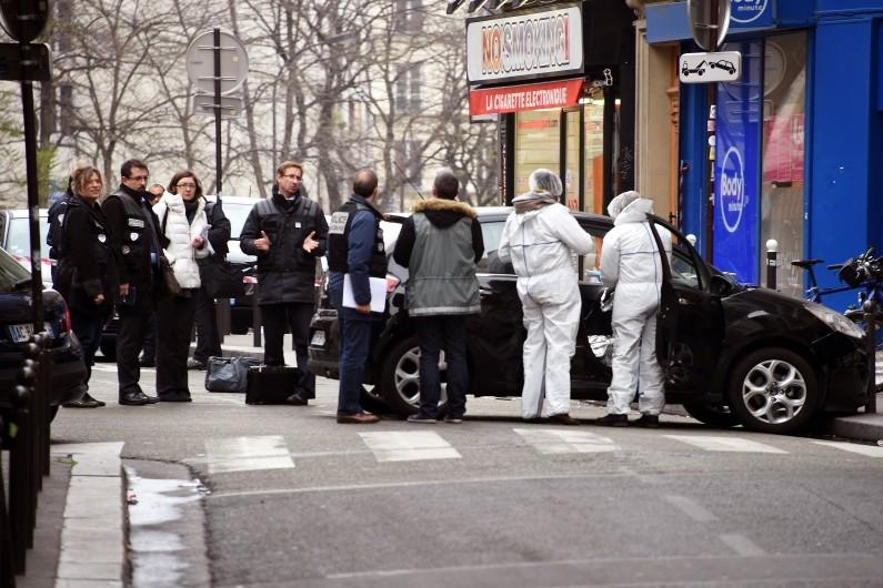 """Les terroristes ont abandonné une Citroën C3 rue de Meaux après l'attentat dans les locaux de """"Charlie Hebdo"""" mercredi 7 janvier 2015"""