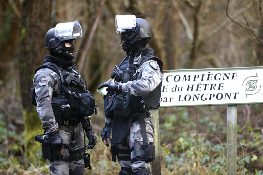 """Après la tuerie de """"Charlie Hebdo"""", des membres du GIGN ont été déployés en Picardie jeudi 8 janvier 2015"""